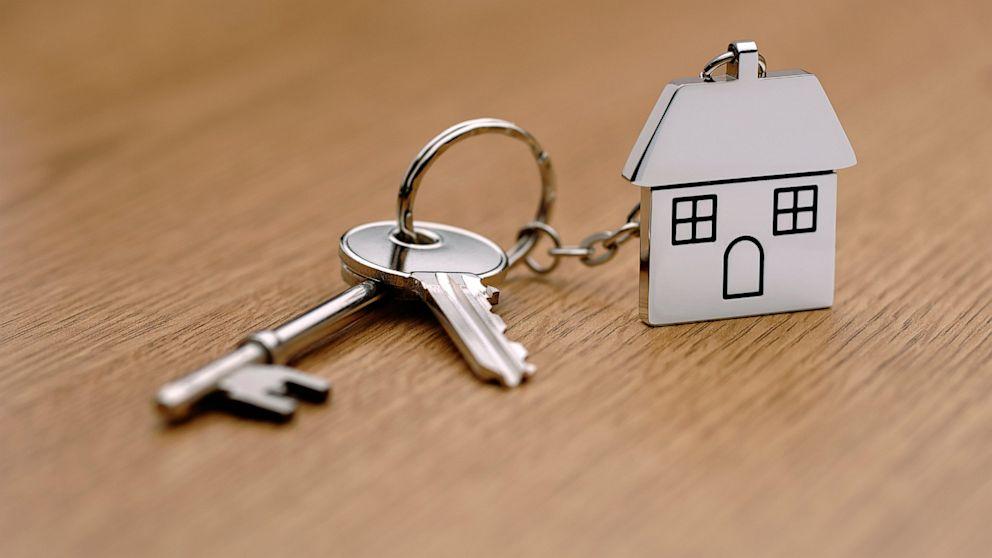 Как оформить продажу квартиры в МФЦ - порядок действий